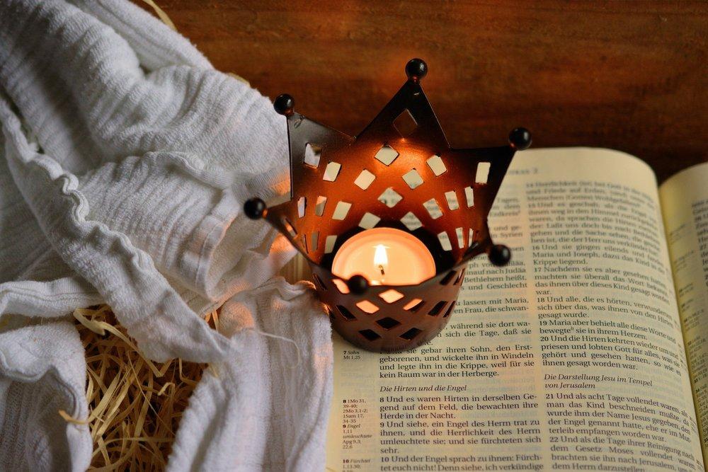 bible-candle-christianity-236326.jpg