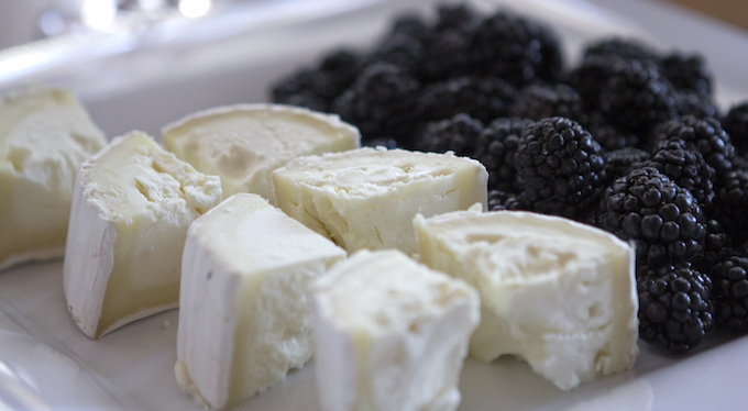 mission-18th-street-san-francisco-food-tour-cheese-blackberries.jpg