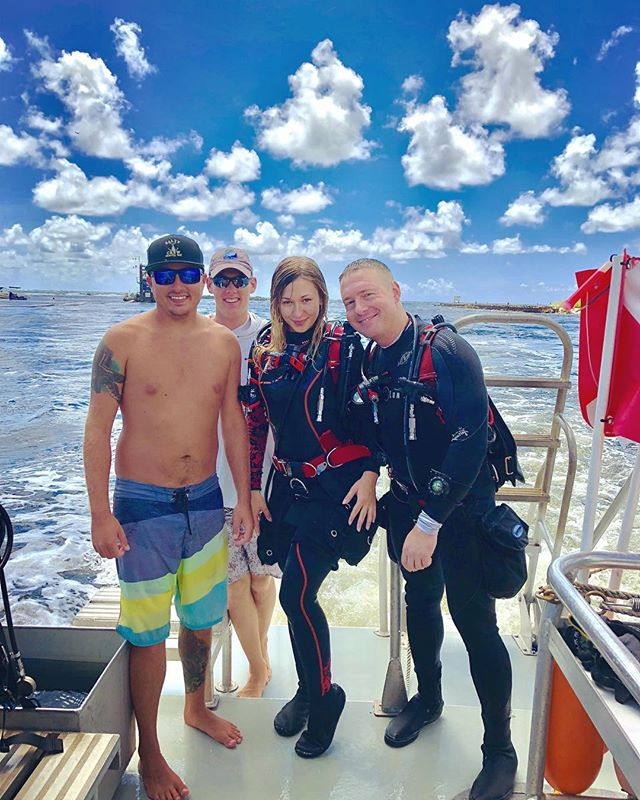 Great weekend #diving on #wrecks and #reefs with @t.e.r.e.z.a__ , and @mikeyno_. Thanks to the great crew from @pompanodive, Adam, Sarah, and @deco_optional. #scuba #scubadiving #scubadivers #scubadive #scubadiver #scubadiverslife #scubadivers #scuba #divinglife #divingtrip #divingday #florida #floridadiving #pompanobeach #pompano #southflorida #fun #weekend #weekend #weekendfun #funweekend #watersports #ocean #sidemount #utd #unifiedteamdiving #dir