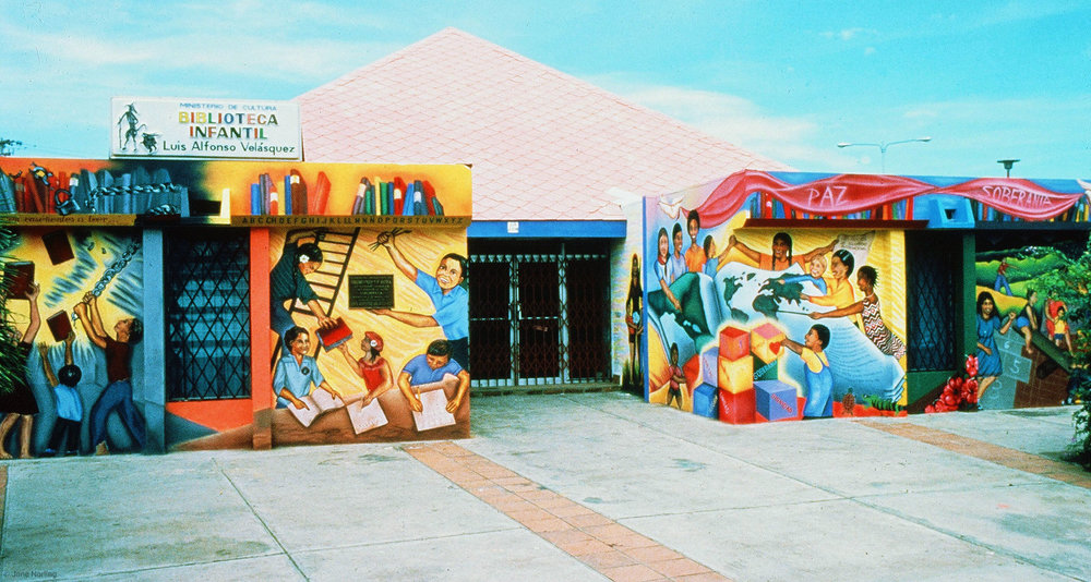 Los Niños Son el Jardin , Luis Alfonso Velazquez Children's Library, Managua, Nicaragua, 1983. Design: Jane Norling and Miranda Bergman, painted by Miranda, Marilyn Lindstrom, Odilia Rodriguez, community painters.