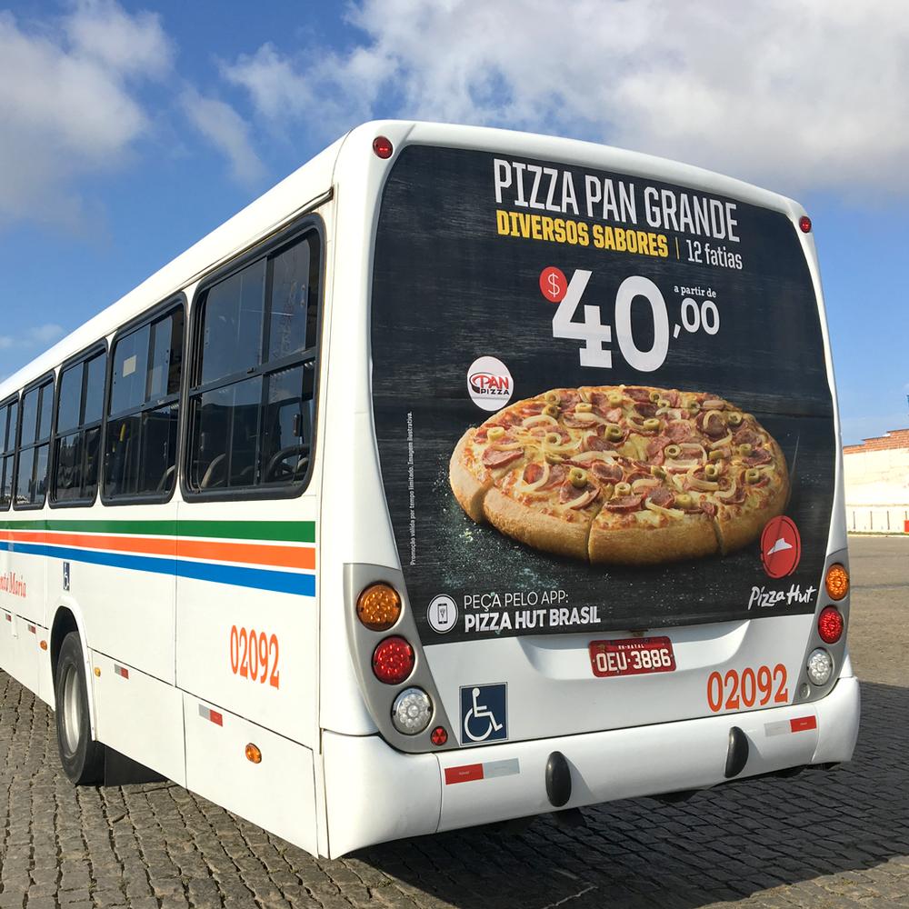 Copy of Copy of Anúncio na traseira do ônibus