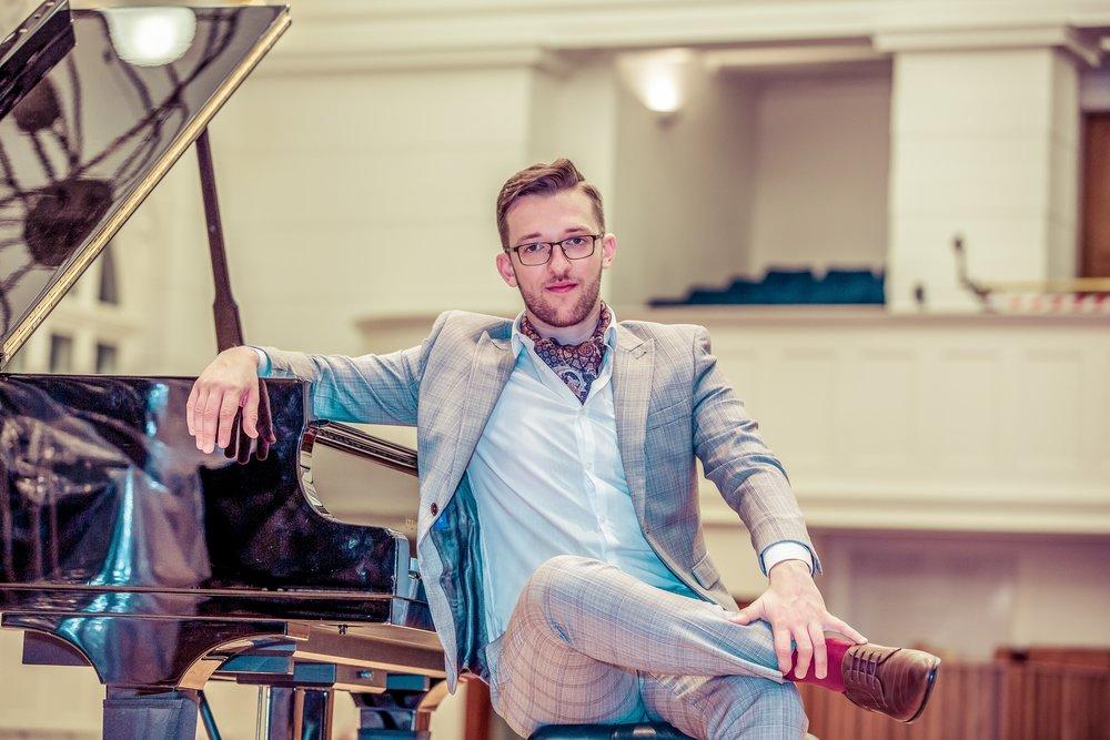 Nicolae Mihaila, London pianist, photo by Cristina Schek.jpg