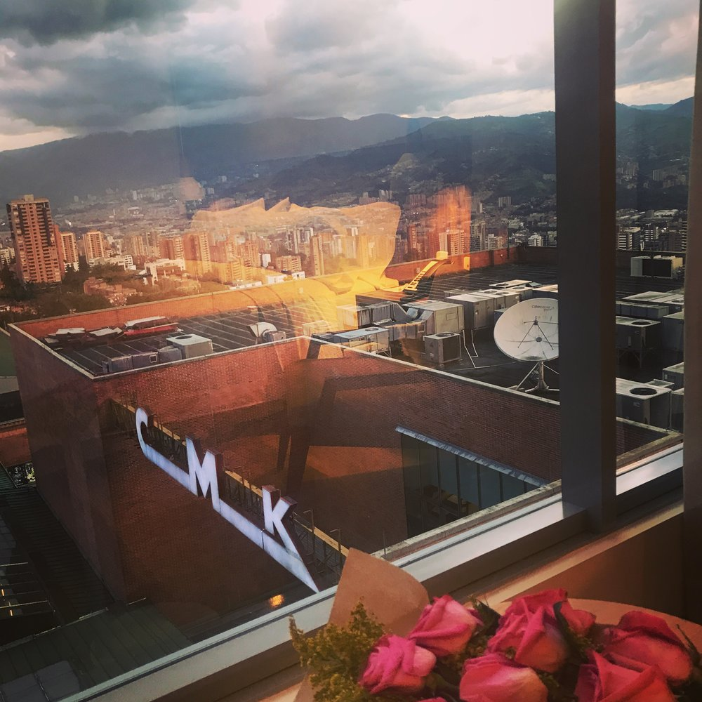 Vista da janela do quarto do Hotel Atton, Medellín. Patricia Servilha