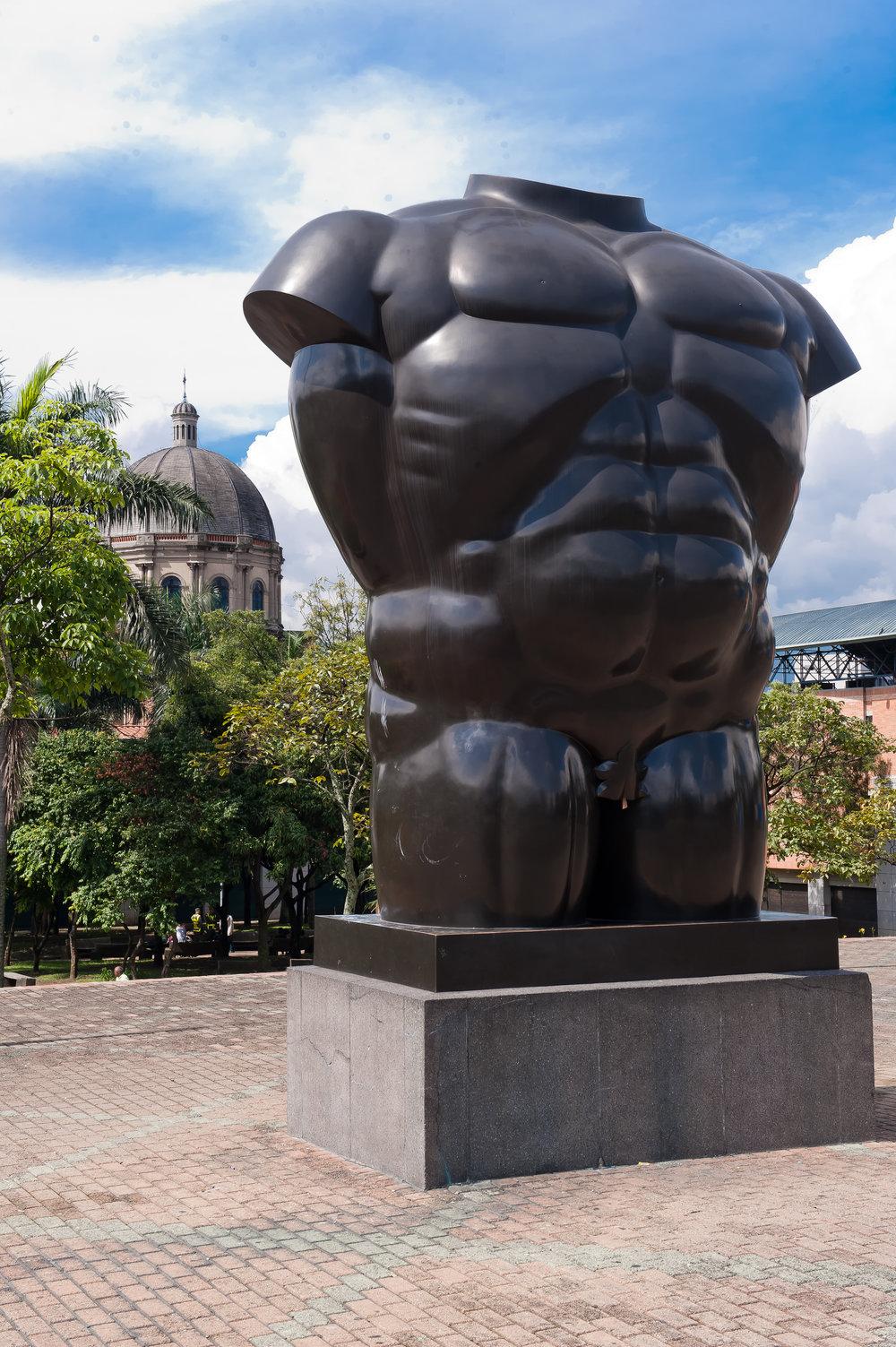 Obra de Fernando Botero no Parque San Antonio. Foto:    Medellín Travel   .