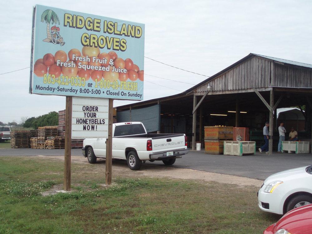 Fachada do Ridge Island Groves. Foto:   RV Life on Wheels