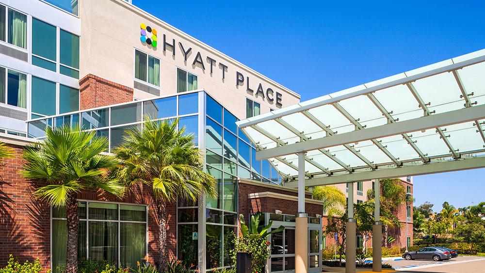 Hyatt-Place-San-Diego-Vista-Carlsbad-P005-Hotel-Exterior.gallery-2-3-item-panel.jpg