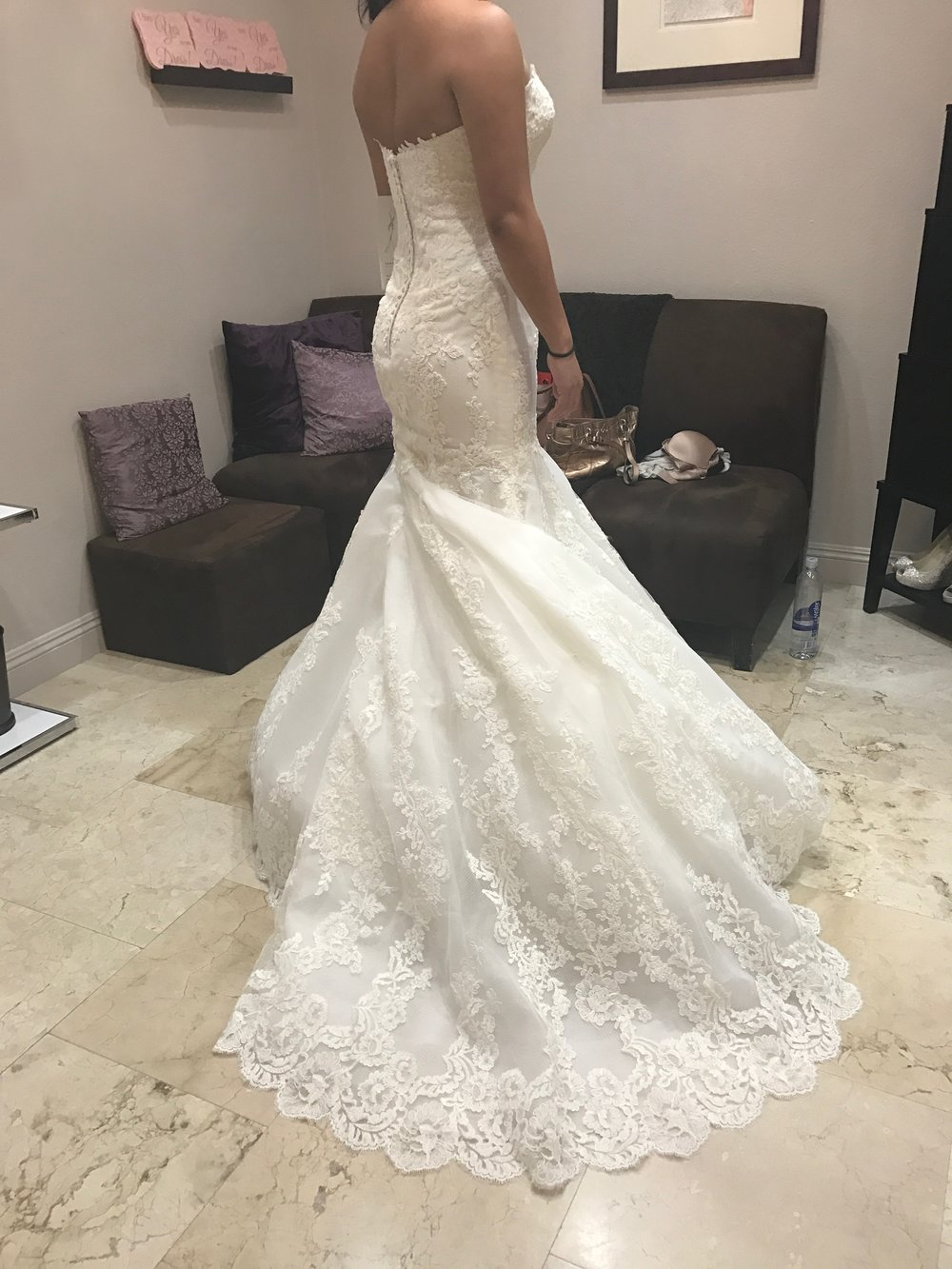 $1000 Enzoani Wedding Gown - Ivory - Size 8 - Dry cleaned and ready for youAltered with sweetheart neckline and bra cupsUsed once, absolutely LOVED it :)RETAIL: $3000