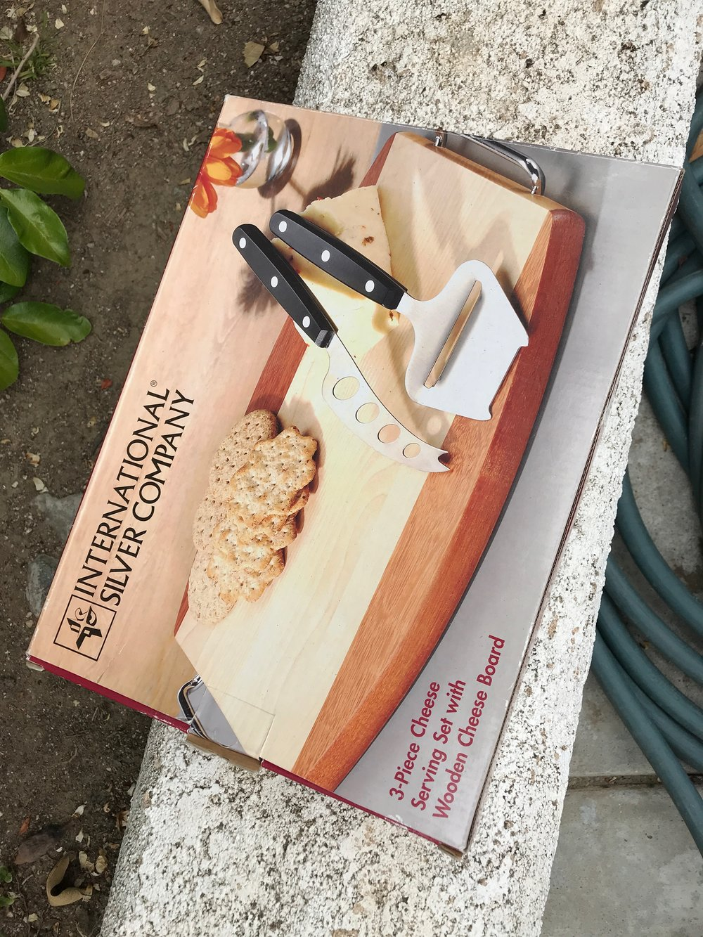 $5 BRAND NEW unopened Wooden Cheese Board - Retail: $25