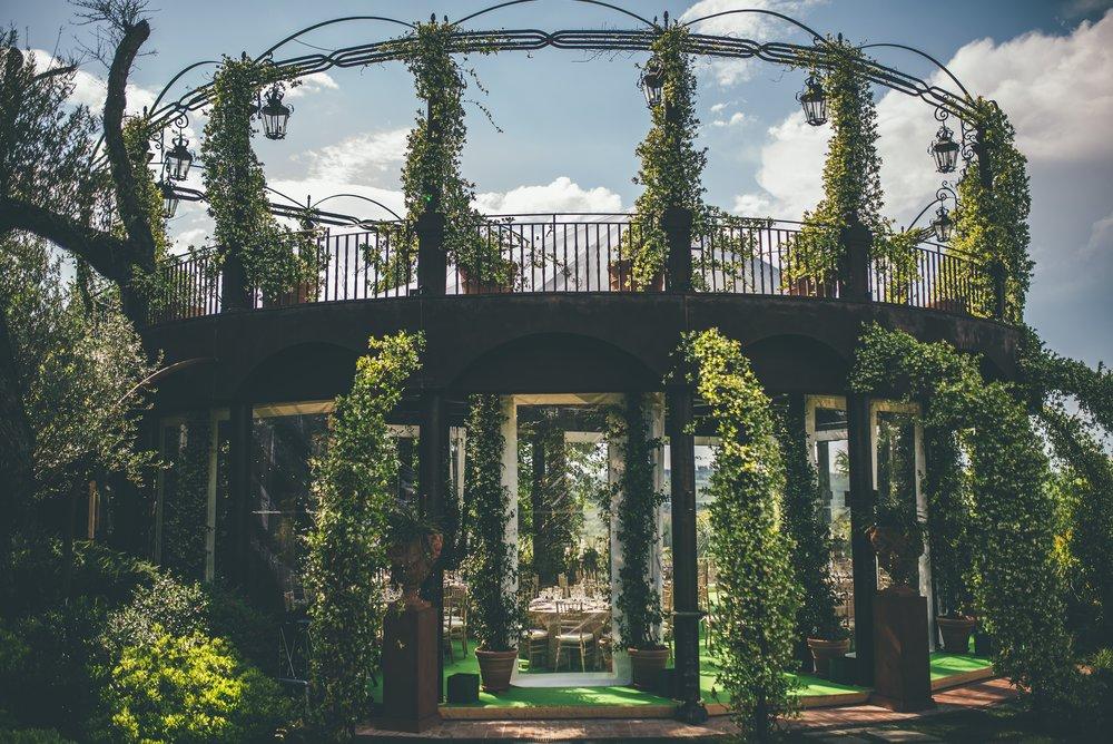 Tenuta Corbinaia in Tuscany was the perfect venue for the most romantic of weddings.