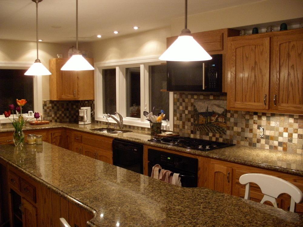 Amarillo Boreal Granite Kitchen 1