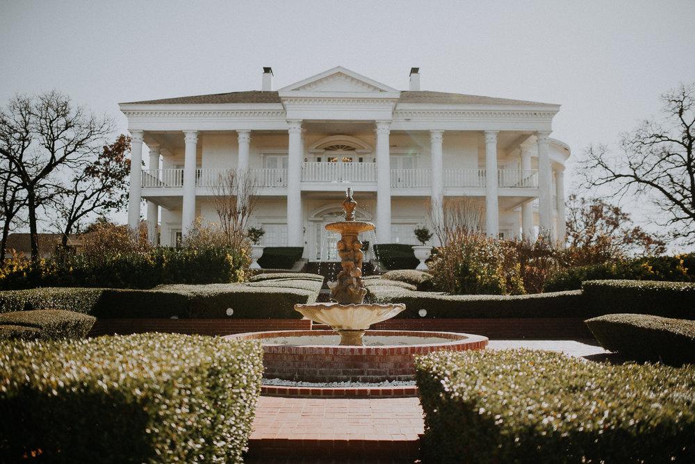Dallas_Fort_Worth_wedding_Photographer_lone_star_mansion_burleson_texas_01