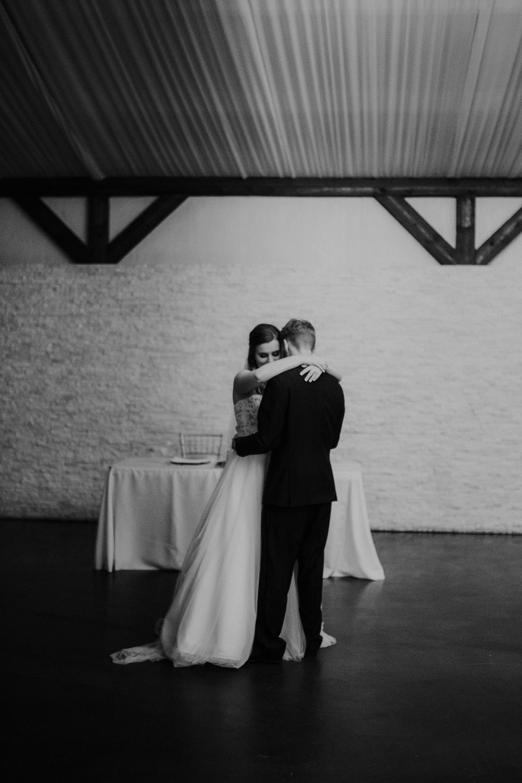Dallas_Fort_Worth_wedding_Photographer_lone_star_mansion_burleson_texas_122