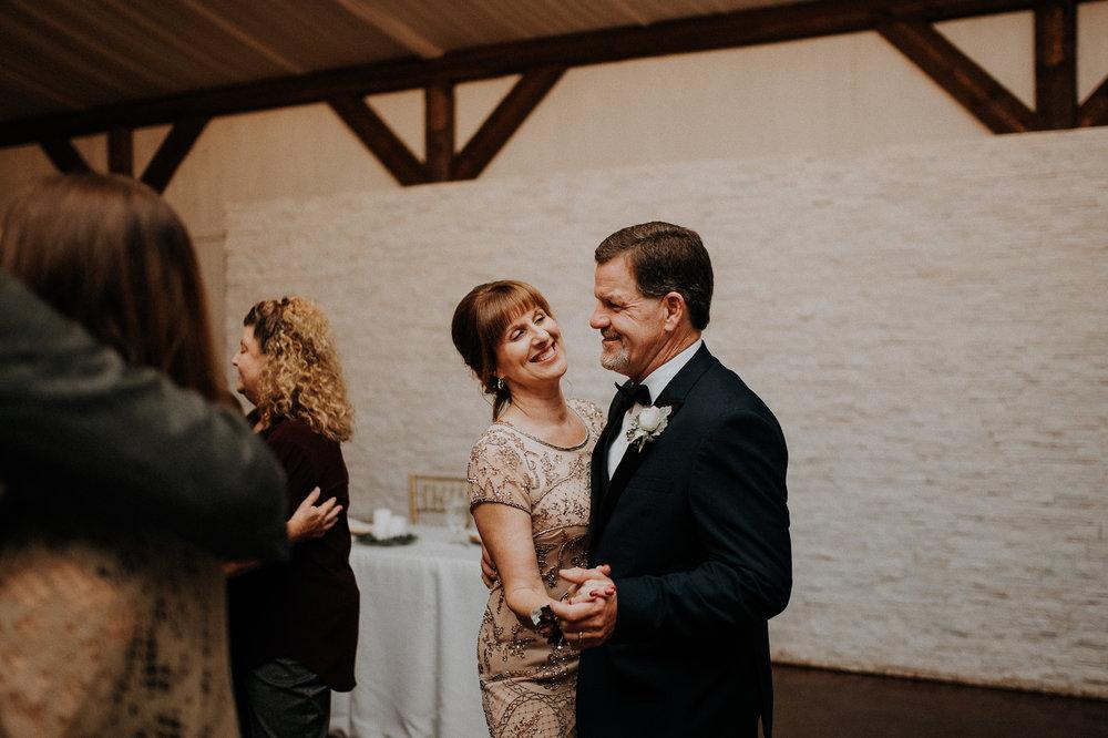 Dallas_Fort_Worth_wedding_Photographer_lone_star_mansion_burleson_texas_128
