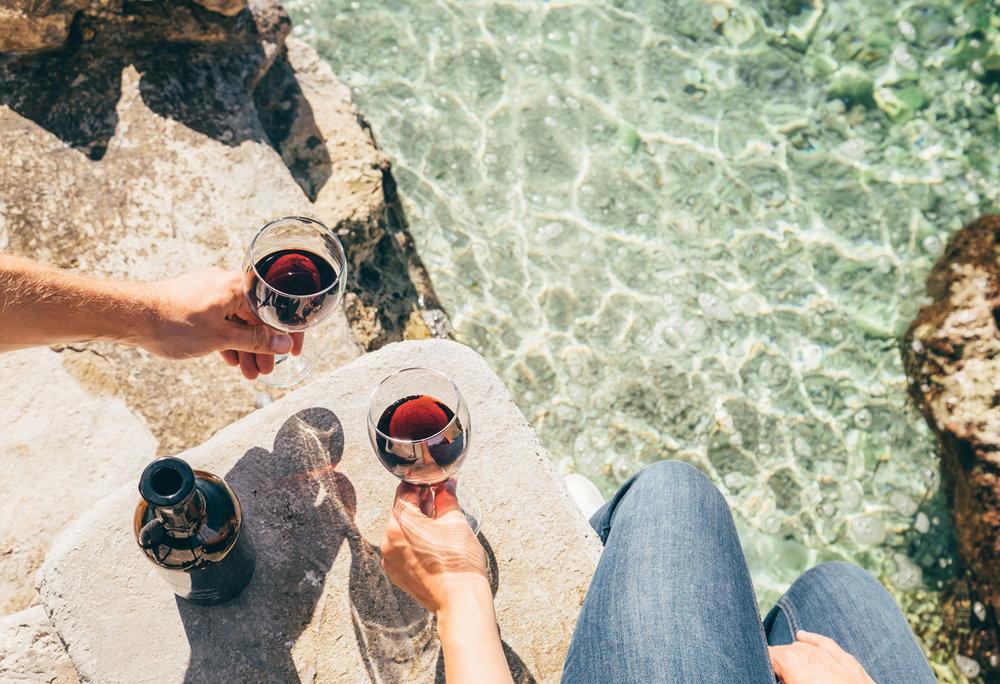 FlyWithWine-Summer-Wine-Drinking.jpg