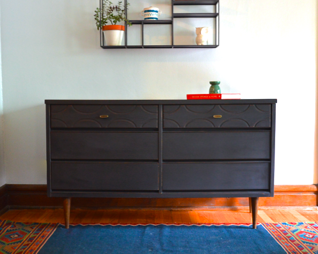 Peachy Roundup Crushing On Painted Mid Century Modern Furniture Home Remodeling Inspirations Genioncuboardxyz