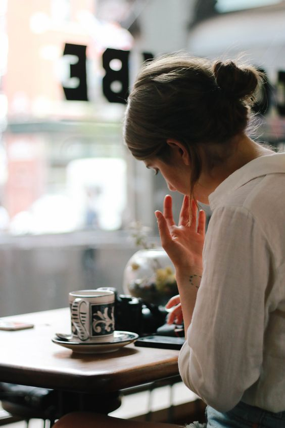 Girl Boss Guide to  productive morning routine