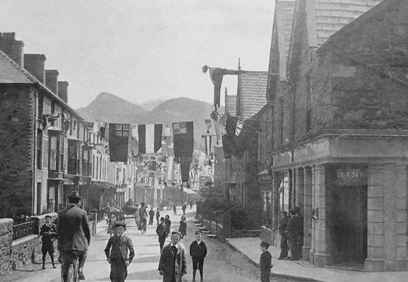 Stryd Fawr Llanberis High Street c 1900