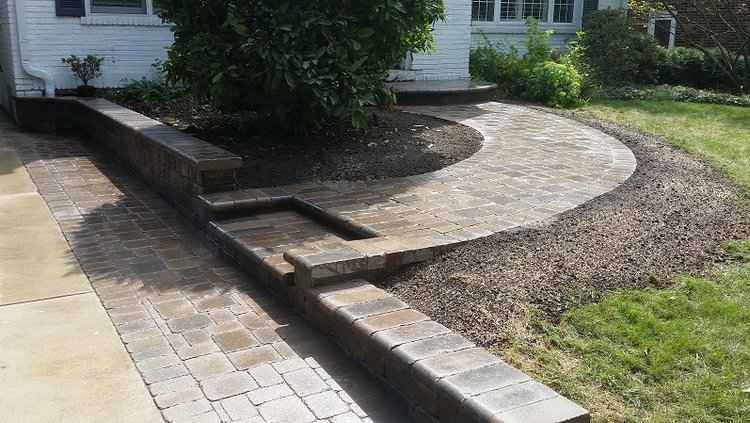 Landscapers with top hardscape and installation services in North Riverside, IL