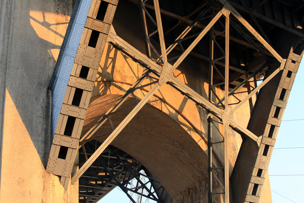 Arch detail at Sixth Street bridge