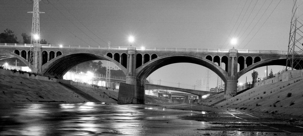 Night view of Broadway viaduct