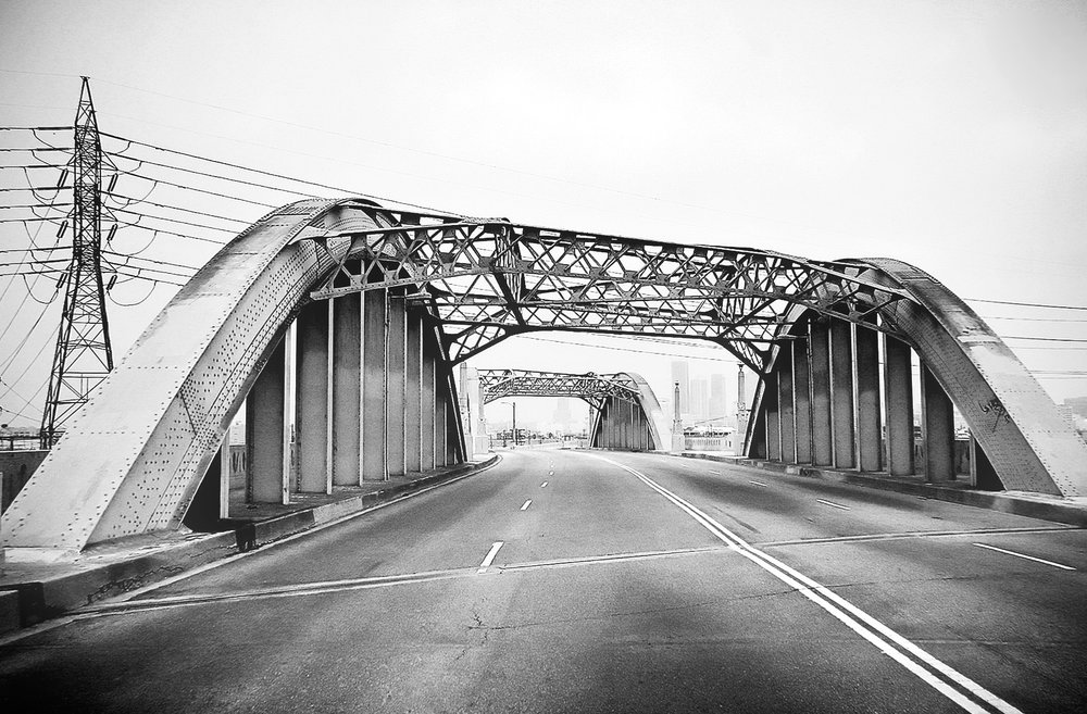 Classic view of the famous arches atop the 6th Street bridge