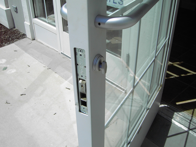 commercial-door-lock.jpg