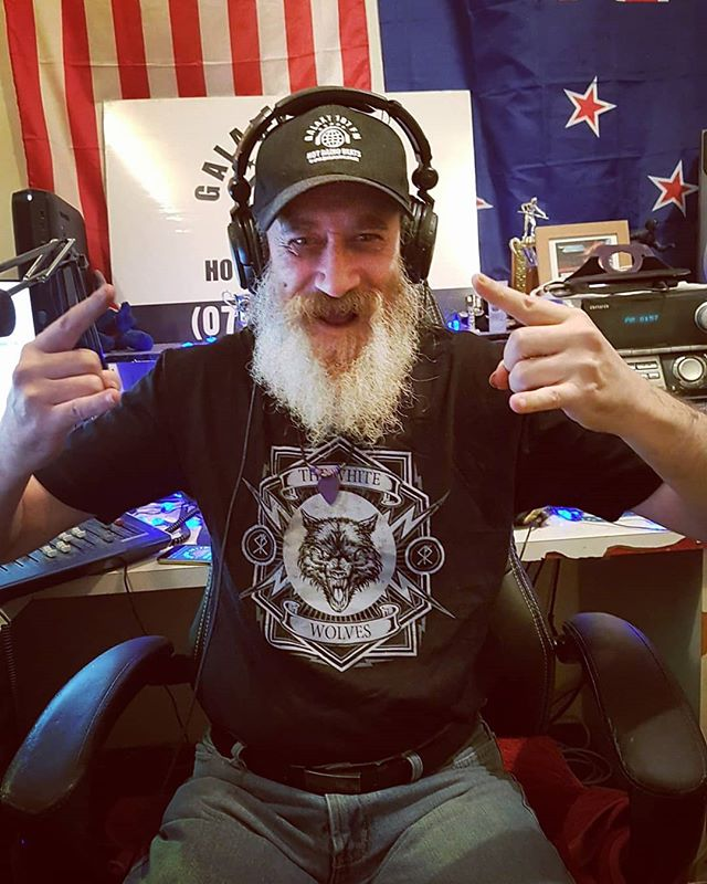New Zealands Galaxy 107fm,  looking pretty dope in The White Wolves tee shirts. Love these crazy kiwis.  #teeshirts #thewhitewolvesmusic #newzealand #kiwi #music #merchandise #rock #pop #radio  #wolf #wolfpack