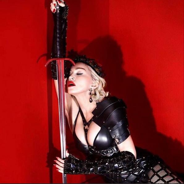 Madonna in Mordekai 3.png