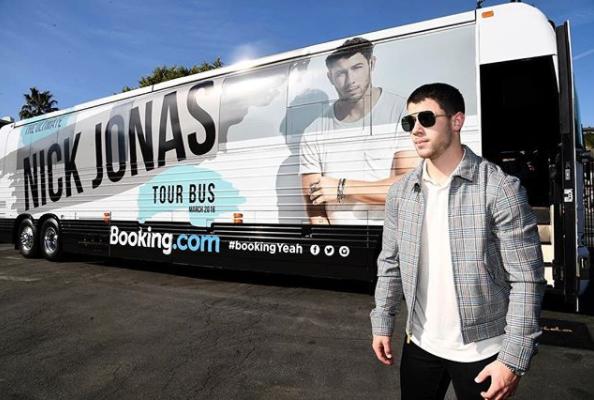 Nick Jonas- 03_07 (RB3583N).png