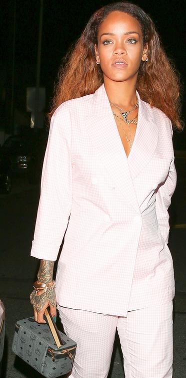 Rihanna MCM 3.png