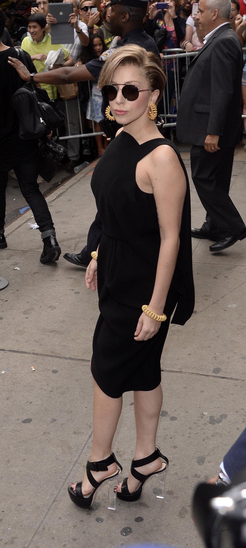 Lady Gaga - Ruthie Davis - New York - 2013.jpg