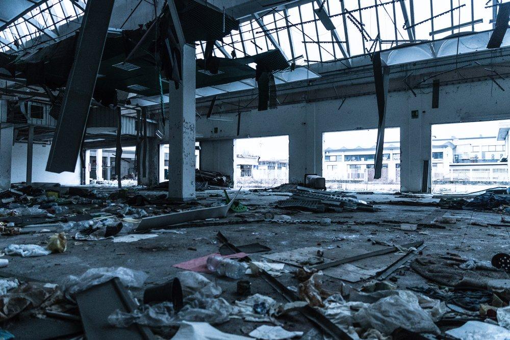 abandoned-abandoned-building-broken-930434.jpg