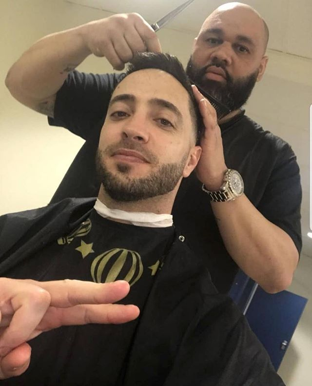 Big S/O to Merv @razorsharpmke for draping Ryan Braun in your #brokelife Barber Cape! . We here! Where are you? #thisismycrew . . . . . . .  #brewers #brewcrew #baseball #millerpark #mlb #wisconsin #milwaukee #milwaukeebrewers #baseballseason #milwaukeewi #tailgate #gobrewers #powerblues #brokelife1 #elevate #moveforward #lookaheadnotbehind #shop #streetwear #streetstyle #streetstylefashion #energy #milwaukee #mke #chicago #chitownlove  #apparel #dadhat