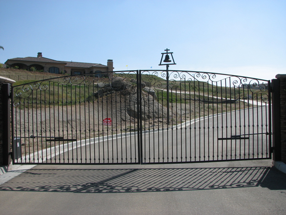 gate_a_1.jpg