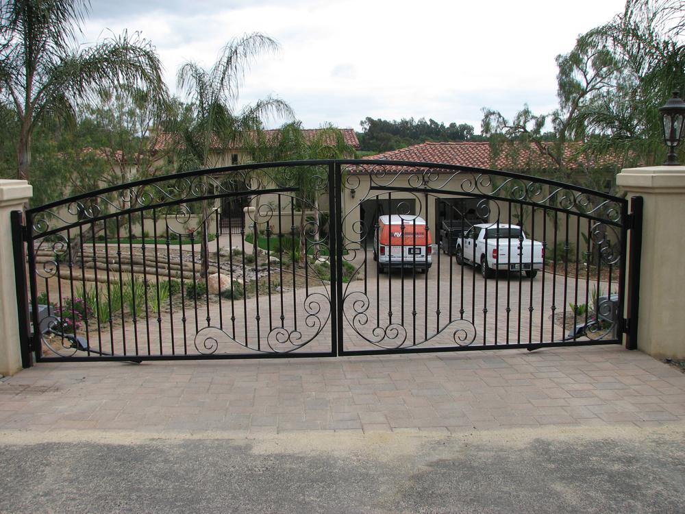 gate_b_3.jpg