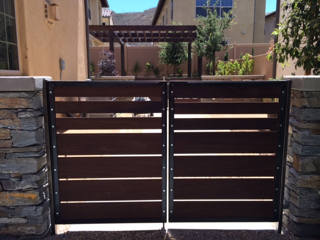 custom patio gate.jpg
