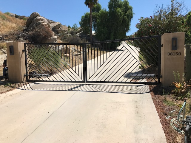 AAV Custom Gates - Iron angles.JPG