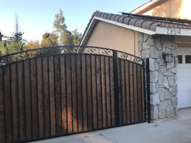 AAV Custom Gates - wood paneling4.JPG