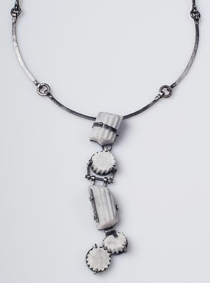 Veverka.fragment.necklace.web.jpg