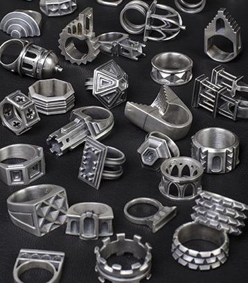 D_Veverka.rings.web.jpg