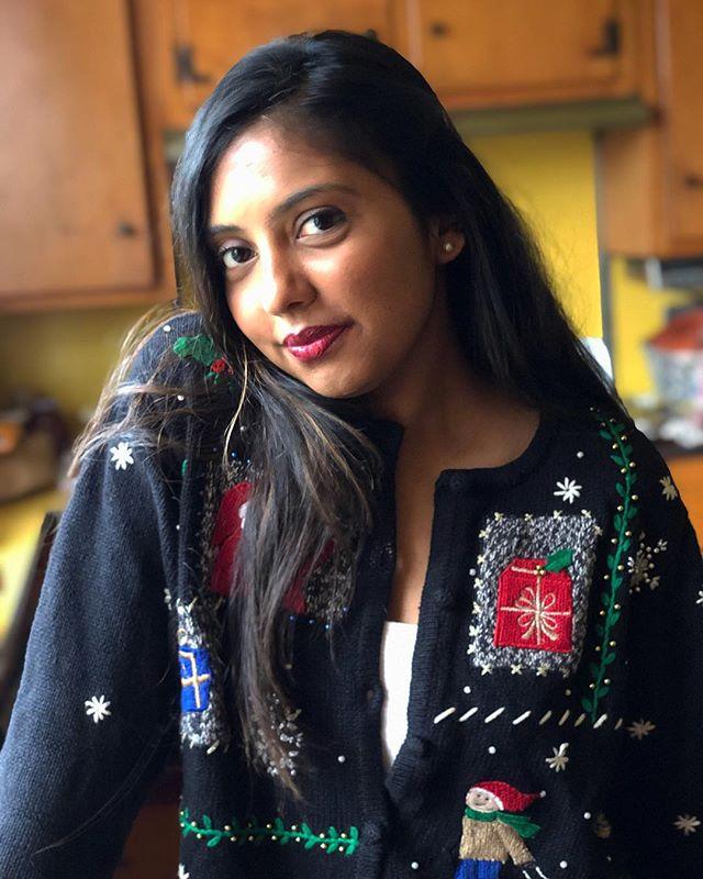Dear santa, I can explain. ⠀⠀⠀⠀⠀⠀⠀⠀⠀ ⠀⠀⠀⠀⠀⠀⠀⠀⠀ ⠀⠀⠀⠀⠀⠀⠀⠀⠀ ⠀⠀⠀⠀⠀⠀⠀⠀⠀ #indianblogger #christmas #santa #livetinted #hobokengirl #holiday #blogger #change #motivation #loveyourself #bossgirlbloggers #theswitch #fall #vintage #mind #life #change #instamood #happy #uglysweater