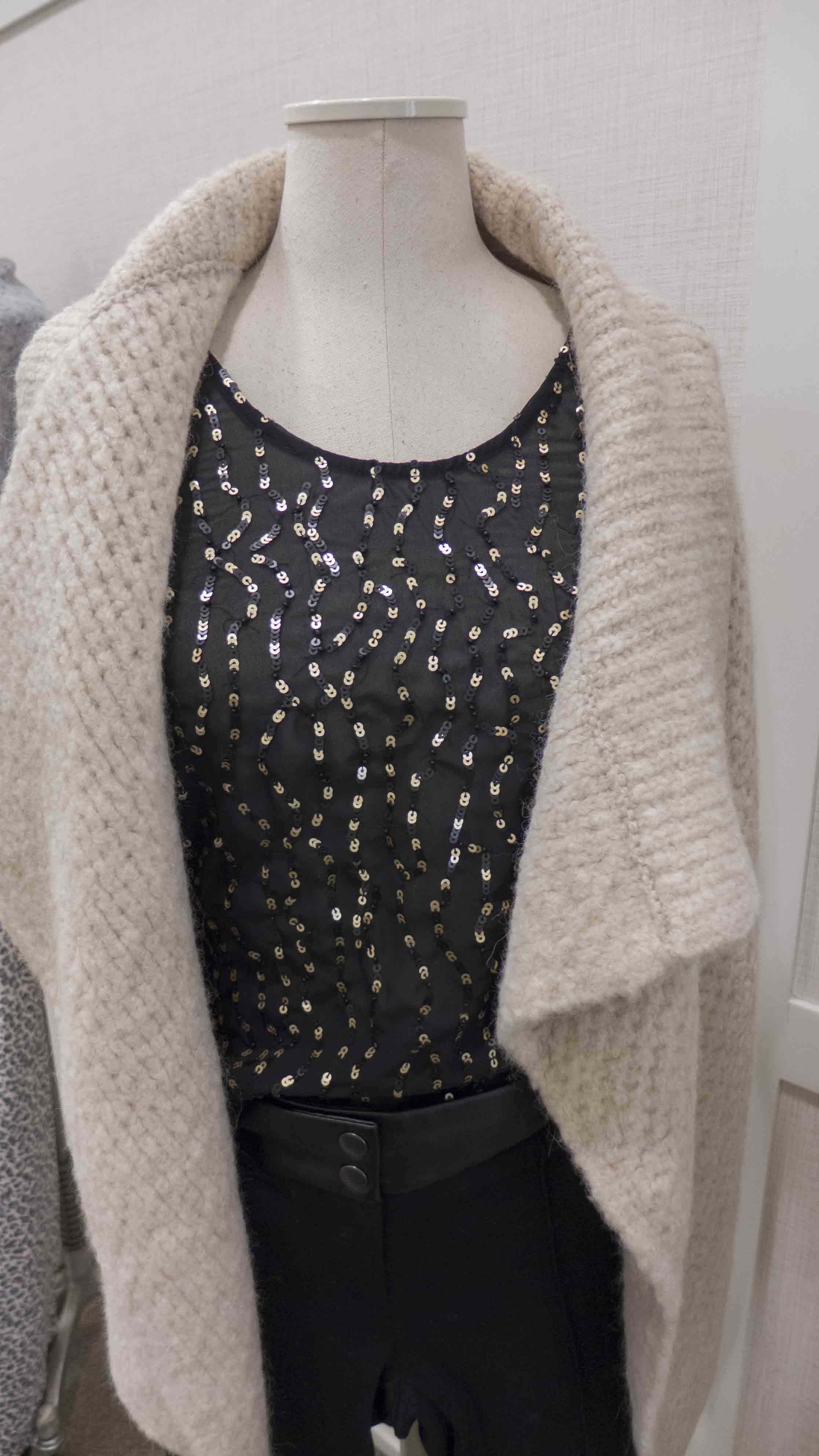 Loft drape hem open cardigan_wavy sequin top