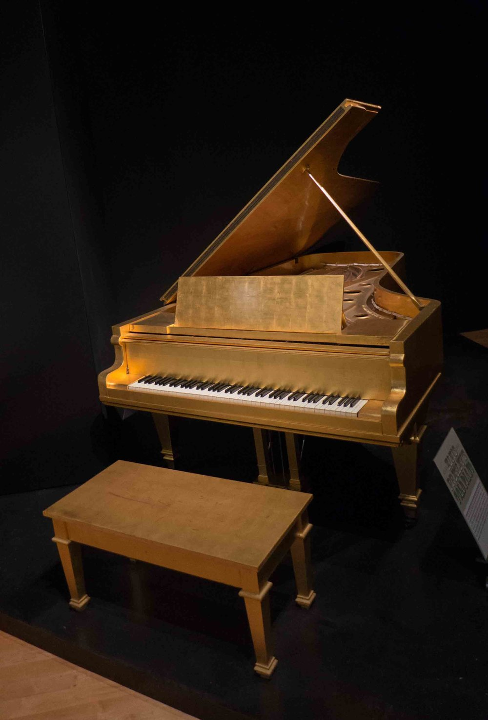 The King's all gold piano.