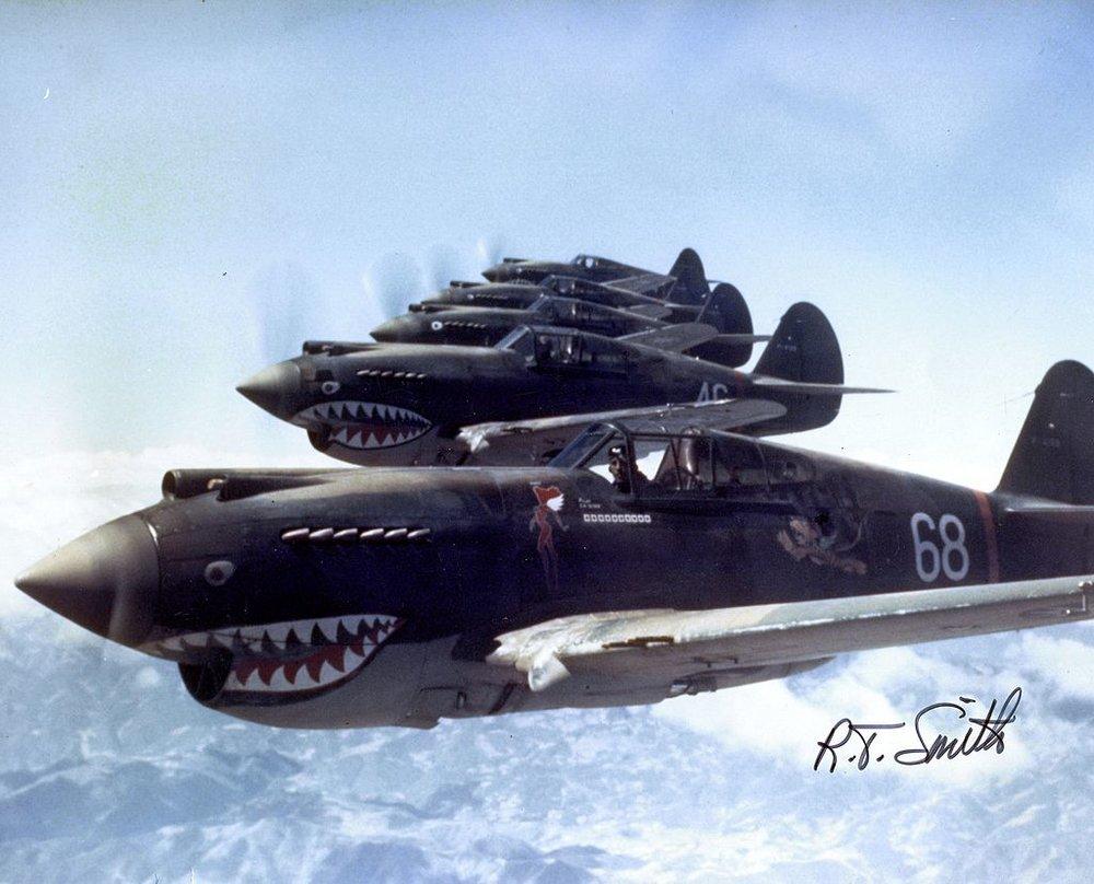 綽號「 飛虎隊 」的 中華民國空軍美籍志願大隊, 是二戰期間在中華民國成立、由美國飛行人員組成的空軍部隊。圖片來源:維基共享資源