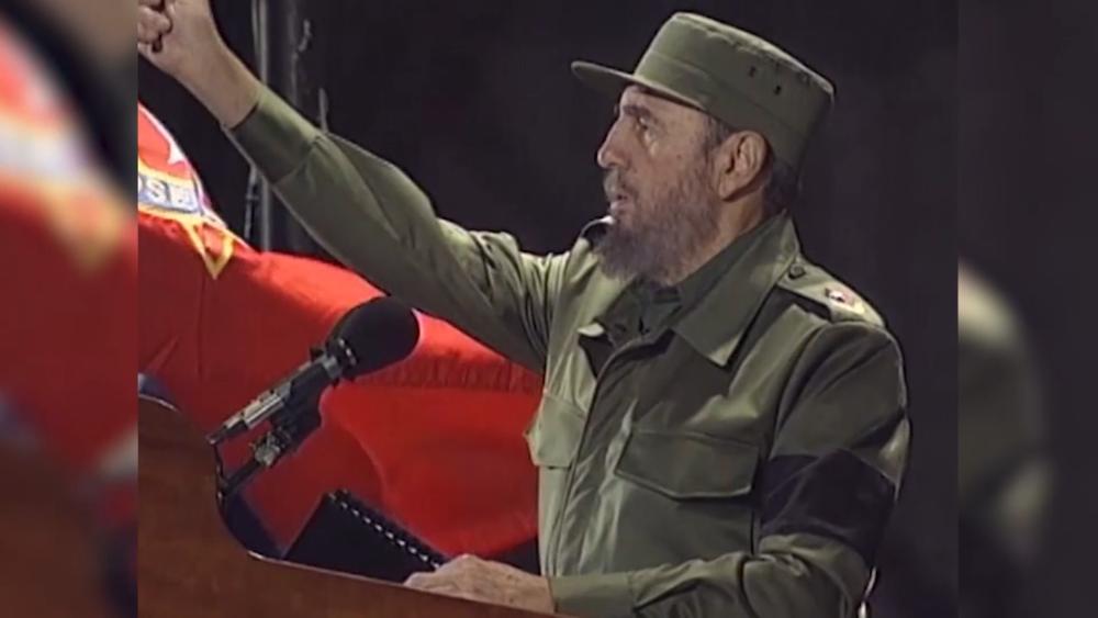卡斯楚1959年發動革命政變脫離美國政經。圖片來源:CNN
