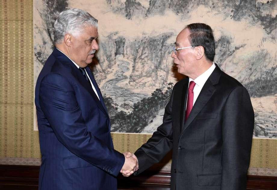 多明尼加外交部長與中國國家副主席王岐山會面。攝:Minoru Iwasaki/Associated Press