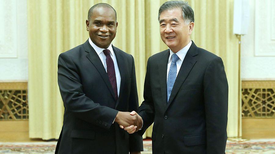 布吉納法索在與中華民國斷交後,3天改與中國建交。圖片來源:中國環球電視網