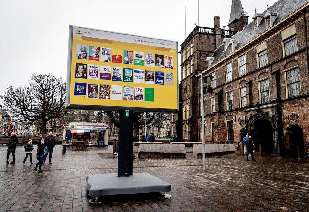 荷蘭限制候選人刊登競選海報大小,且只能貼於固定區域。圖片來源:歐洲觀點 Europinions/Facebook