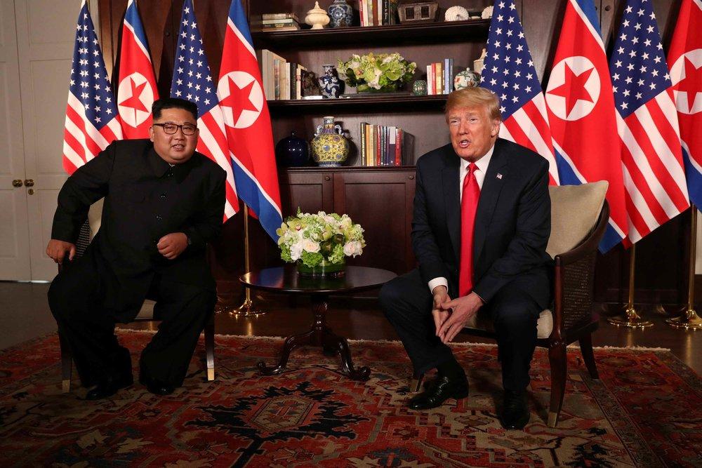 美國總統川普與北韓領導人金正恩歷史性會面。圖片來源:Reuters