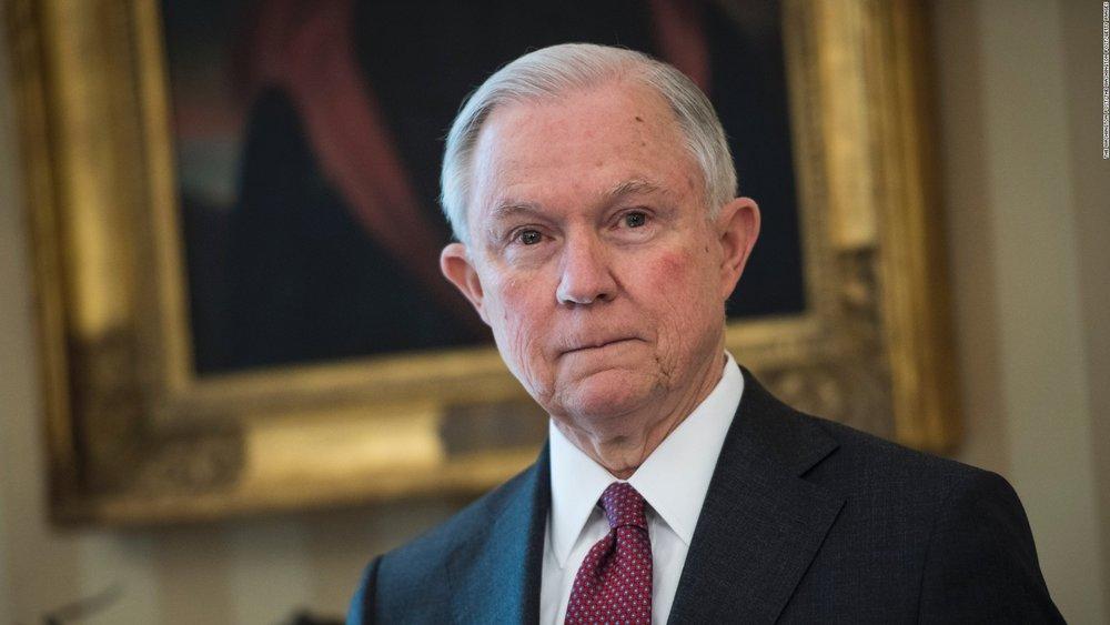 美國司法部長塞申斯日前執行將發法移民集中,再起訴驅離的政策。美國圖片來源:CNN